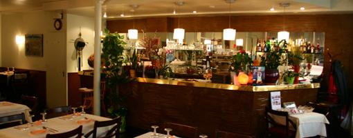 avis-oh-chapeau-restaurant